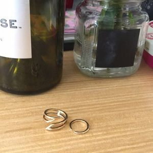 Set of 2 gold rings from H&M